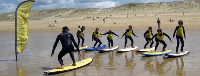 Surf lesson on Messanges Beach